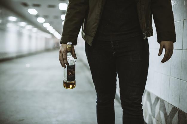 persona alcoholica sintomas